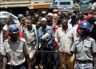 Opositores en Zimbabwe