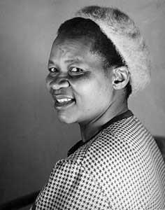 Albertina Sisulu, líder en la lucha contra el Apartheid
