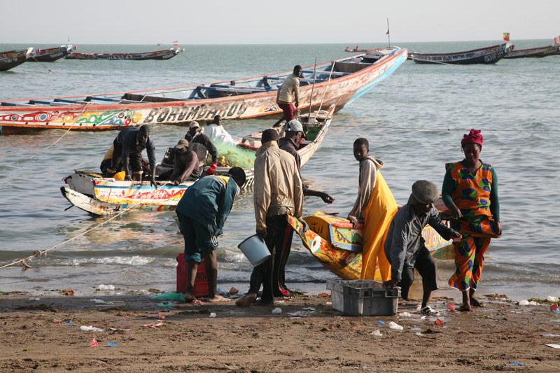La ruina de los pescadores artesanales