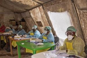 trabajadores de salud_Kenema_Sierra Leona_AO