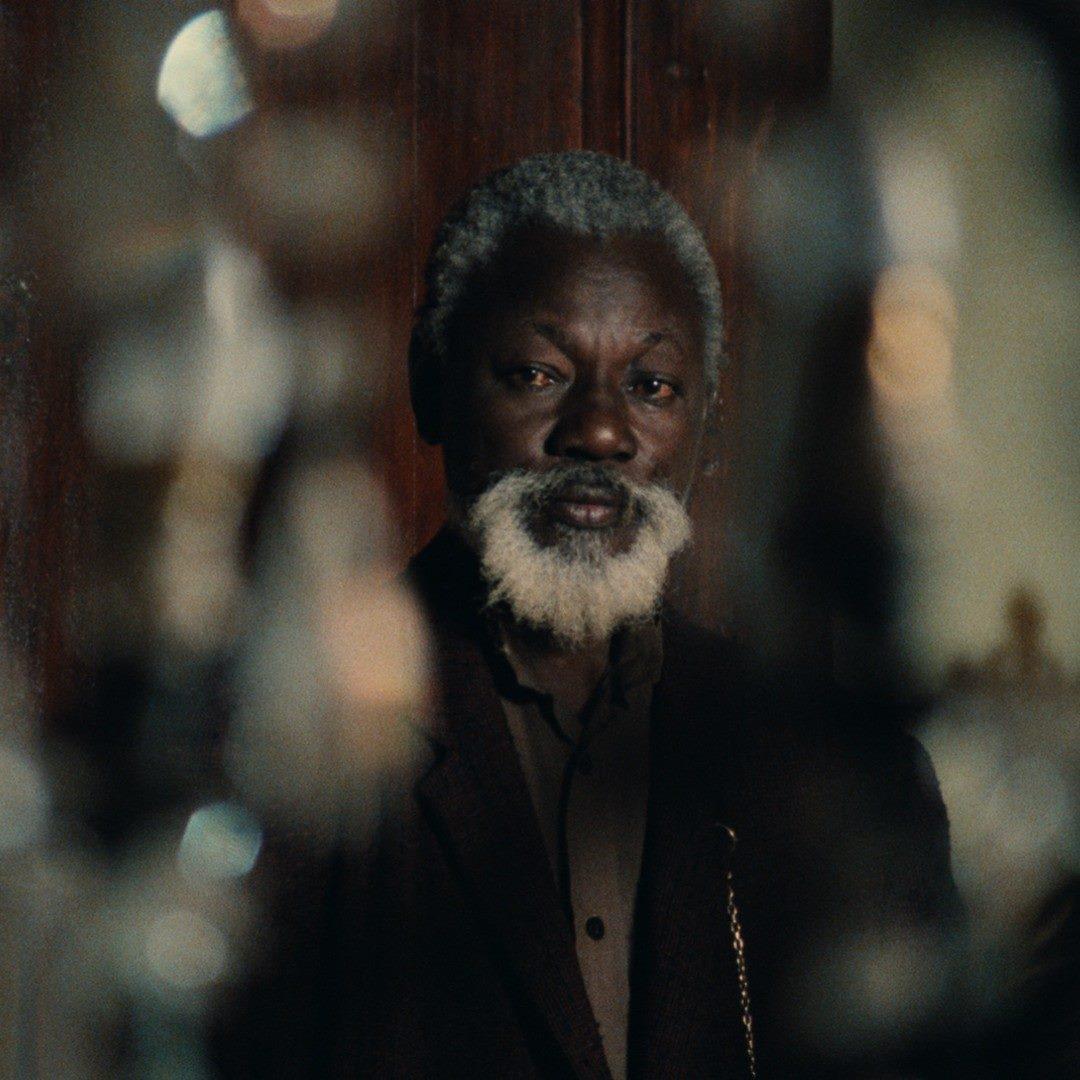 Mansour Diouf interpretó el papel de Draman en una interpretación en la que ha de pasar da serenidad al pánico absoluto, la certeza de saber que va a morir, según avanza la película.